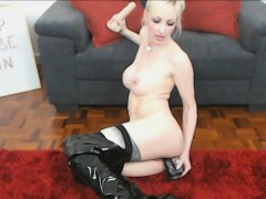 german-blonde-in-leather-stockings-toying