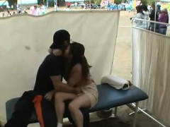 amateur-girls-voyeur-loving-in-public-place