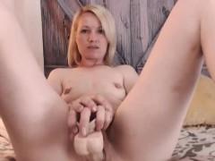 chatty-webcam-girl-masturbating-for-you