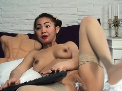 sweet asian beauty amateur masturbation