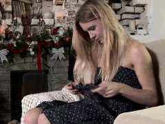 Pretty Teenie Stretches Spread Snatch And Gets Deflorated71r