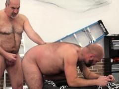Deepthroating Bear Gets His Ass Barebacked