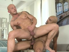 Muscle Bear Flip Flop And Anal Cumshot