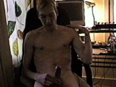 skinny-guy-cums-in-chair