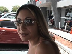 Beauty Gets Trimmed Slit Fucked