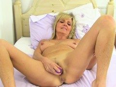 english-milf-dolly-gets-naughty-in-tights