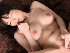 asian-shaved-horny-pussy-her-snapchat-bambi18xx