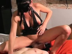 Female-dom Carmen Rivera Ties Up Her Slave Indeed Hard