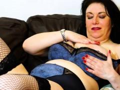 europemature sexy mature lady solo masturbation WWW.ONSEXO.COM