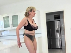 Unfaithful English Mature Lady Sonia Presents Her Huge Knock