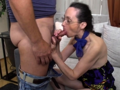 mature lady fucking and blowing