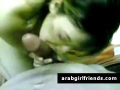 young-beautiful-arab-girlfriend-sucks-off-in-amateur-pov