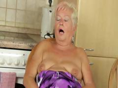 mature-blondie-fingering-twat
