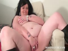 mature-tramp-sucks-and-rubs-phallus