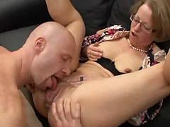 mature-red-shoes-take-assfuck-fist-anal-pussy-glasses-troia