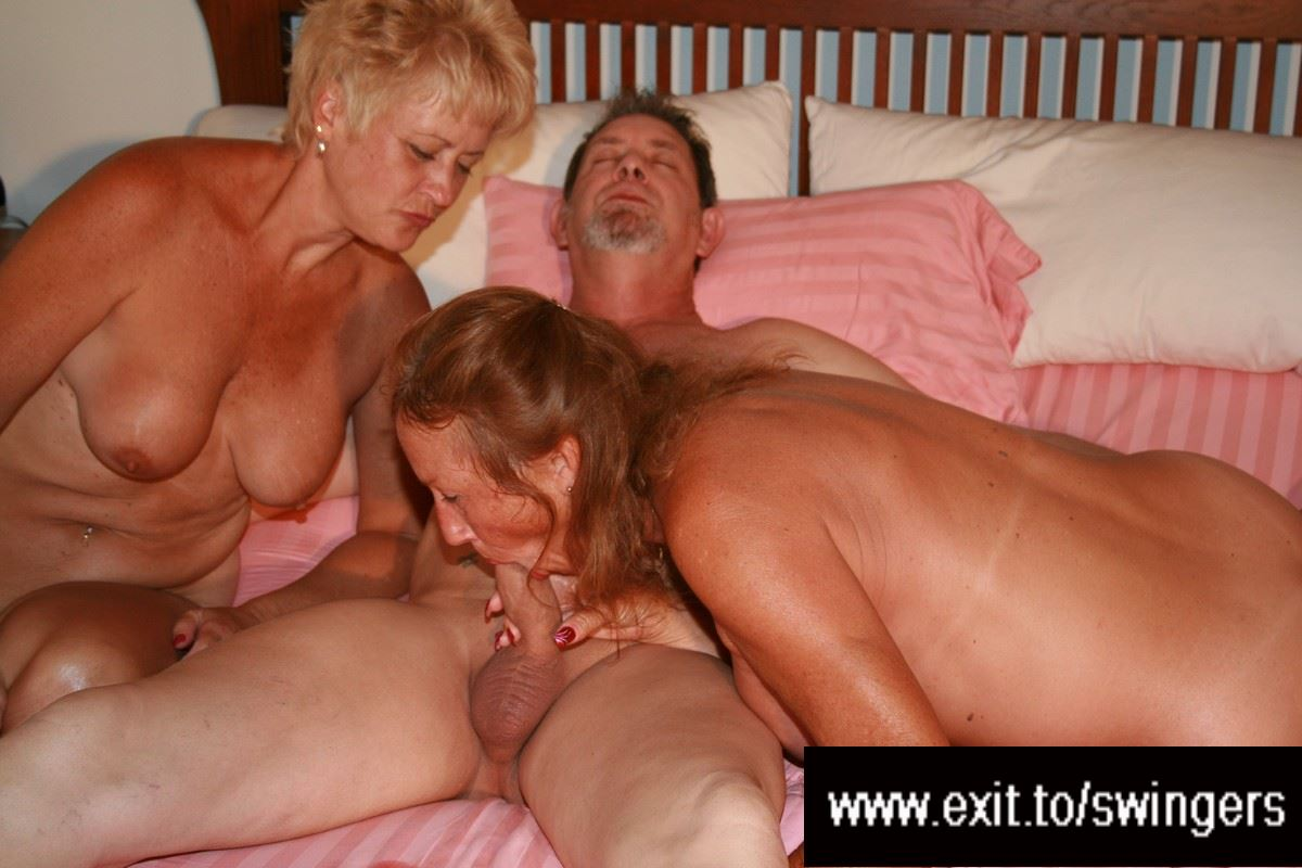 Amateur wife threesome sex