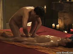Tantra Massage Between Friends Is Nice