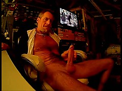 hung-thick-cock-jerking-n-cum
