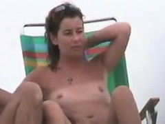 spying-on-girls-at-the-beach