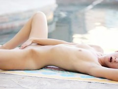 blonde-babe-chloe-brooke-uses-soft-touches-to-caress-her