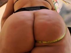 slut-shows-off-huge-booty-pov