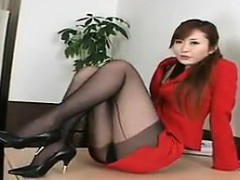 beautiful-asian-with-sexy-legs