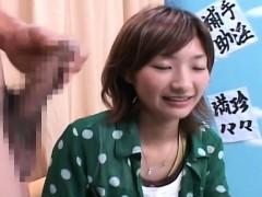 subtitled-cfnm-japanese-amateur-watches-masturbation