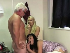 Older Guy Cums For British Cfnm Girls From Blowjob