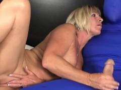 mature-brandi-jaimes-tugs-while-masturbating