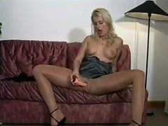smoking-blonde-beauty-wearing-pantyhose