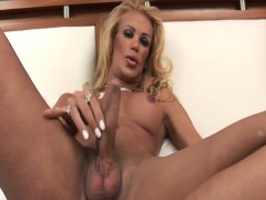 grazielle-skinny-tranny-filling-up-a-glass-with-cum