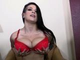 Katrina Jade loves to rub her juicy pussy