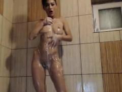 hot-big-ass-milf-in-the-shower-on-webcam