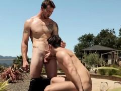 cool-gay-sex-underneath-the-hot-sun-visit-nextdoorbuddies-me