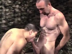 gays-outdoor-threesome-dick-stuffed-in