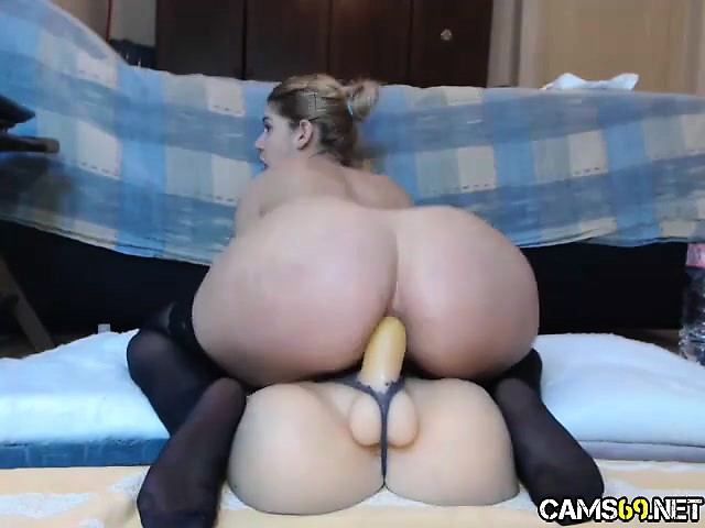 Latina Riding 9 Inch Dildo