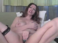 bbw-milf-masturbating-pussy-on-webcam-cams69-dot-net
