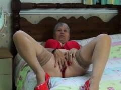 granny-savana-have-to-do-it-herself