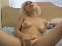 Dreamy Blonde Minx And Her Breathtaking Masturbation