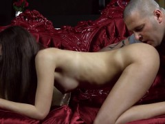 Kissable Nympho Stretches Pink Slit And Gets Deflorated