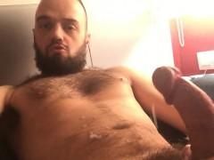 bearded-man-wanking