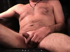 Mature Amateur Tom Beating Off
