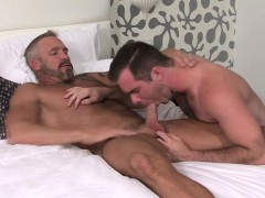 mature-hung-hunk-fucks