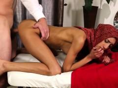 Сексуальная жена в сауне