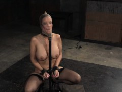 deepthroated-restrained-sub-gagging