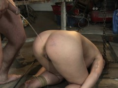 footworshipping-submissive-babe-pissed-on