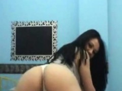 hot-nice-camgirl-show-by-oopscams