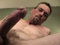 mature-amateur-scott-beating-off-his-stiff-meat