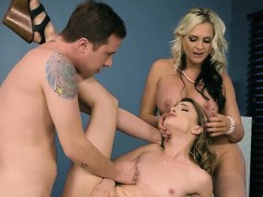 Teen Shares Hung Fuck Buddy With Stepmom