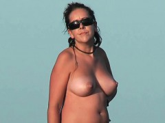 nudist-beach-voyeur-vid-with-a-hot-brunette